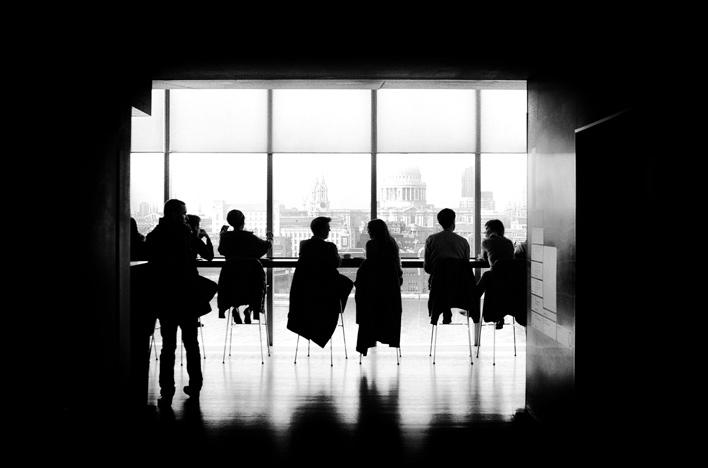 Grupp i motljus, Tate Modern London